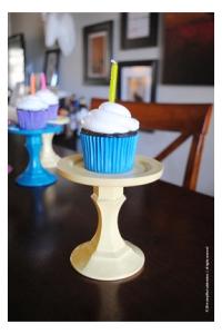 cupcake-pedestal-yellow